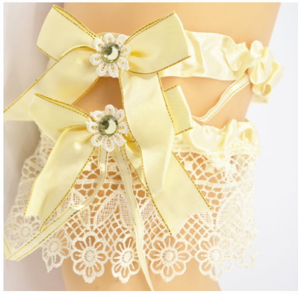 Подвязка для невесты айвори с камнем